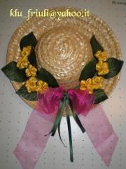 cappello con fiori gialli.jpg